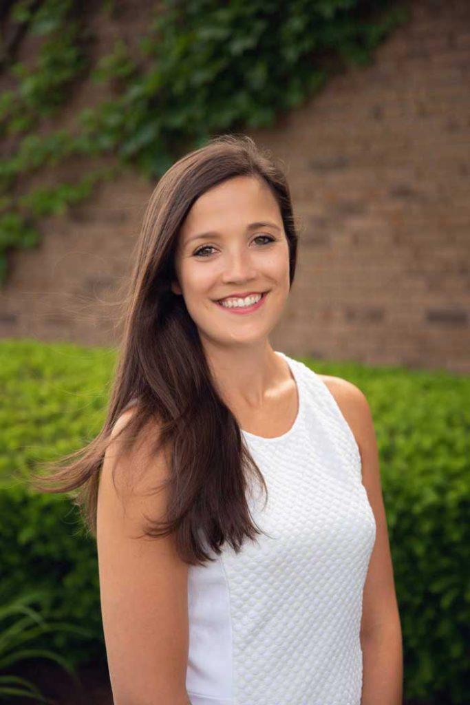 Dr-Robelli - - Pediatric Dental Specialist Jocelyn M. Robelli Roseville, MI